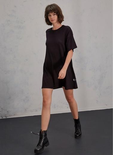 Pi Tişört Elbise